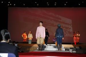 女性ファッションショー1