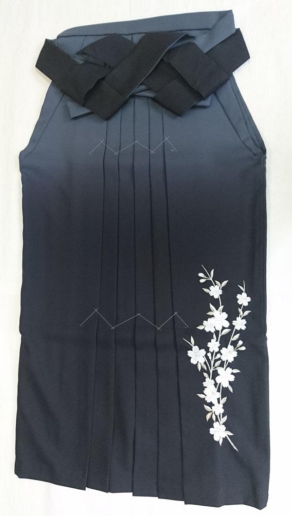 グレー黒ぼかし刺繍