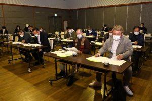 通常総会で令和3年度の事業や課題を確認する部会員